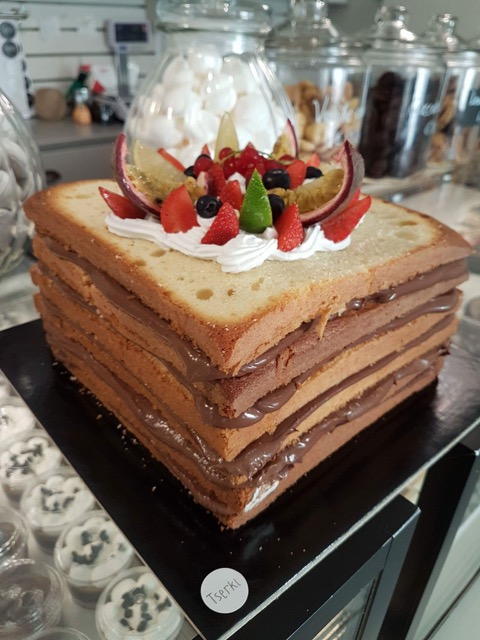 coffee and patisserie tserki paros custom cakes