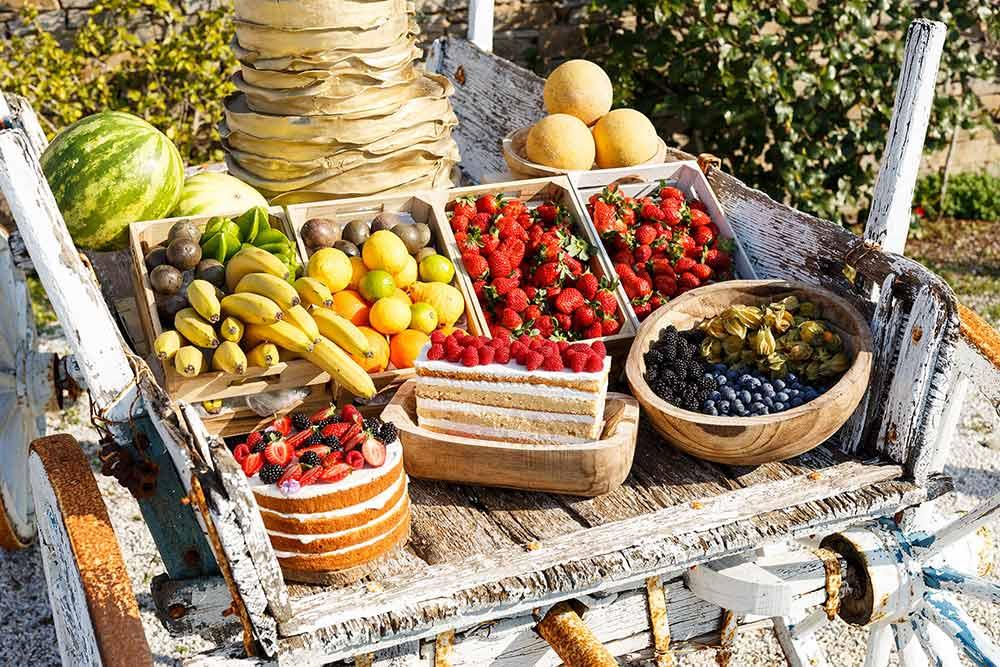 coffee and patisserie tserki paros fruit stand