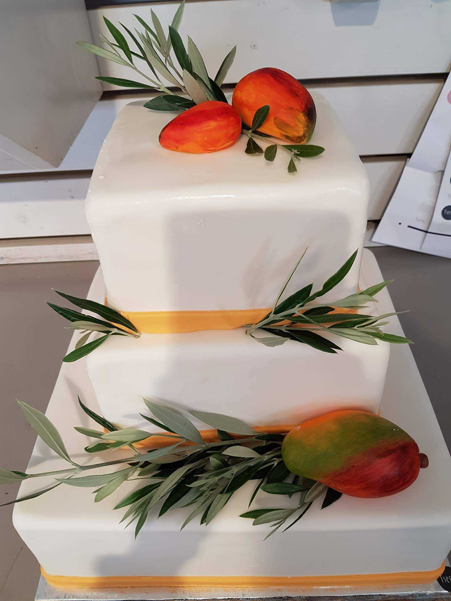 coffee and patisserie tserki paros wedding cakes